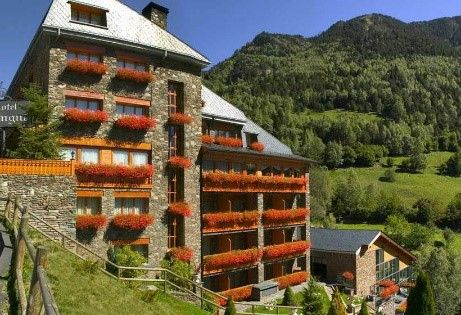 "../../holiday-hotels/?HolidayID=173&HotelID=272&HolidayName=Andorra-Andorra+%2D+Trek+Across+the+Country-&HotelName=Andorra+Trek+"">Andorra Trek"