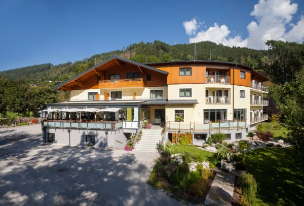 "../../holiday-hotels/?HolidayID=108&HotelID=138&HolidayName=Austria-+Schladming+%2D+Valleys+%26+Mountains+-&HotelName=Hotel+Zirngast+"">Hotel Zirngast"