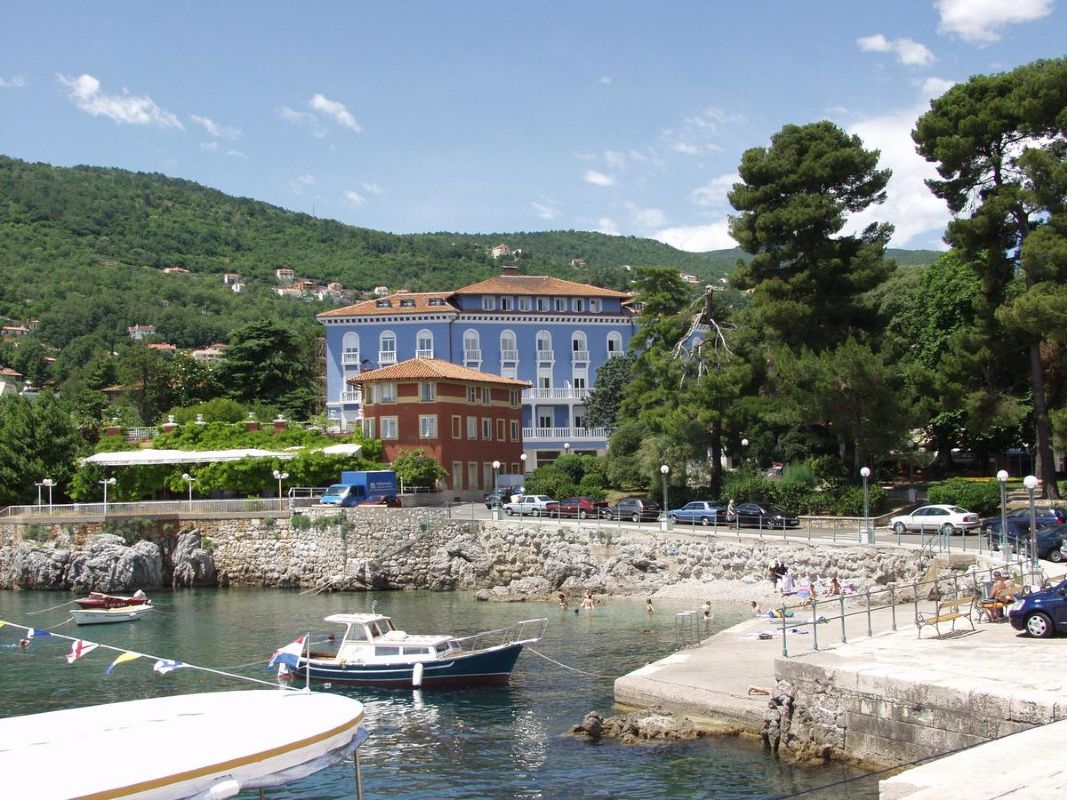 "../../holiday-hotels/?HolidayID=215&HotelID=287&HolidayName=Croatia+-Istria+%2D+Short+Break+Walks-&HotelName=Hotel+Park+4%2A%2C+Lovran"">Hotel Park 4*, Lovran"