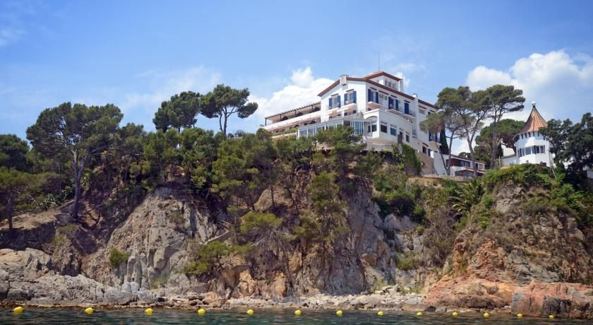 "../../holiday-hotels/?HolidayID=226&HotelID=313&HolidayName=Spain+%2D+Mainland-Rugged+Coast+%2D+Short+Break+Walks-&HotelName=Hotel+Sant+Roc%2C+Calella+de+Palafrugell"">Hotel Sant Roc, Calella de Palafrugell"