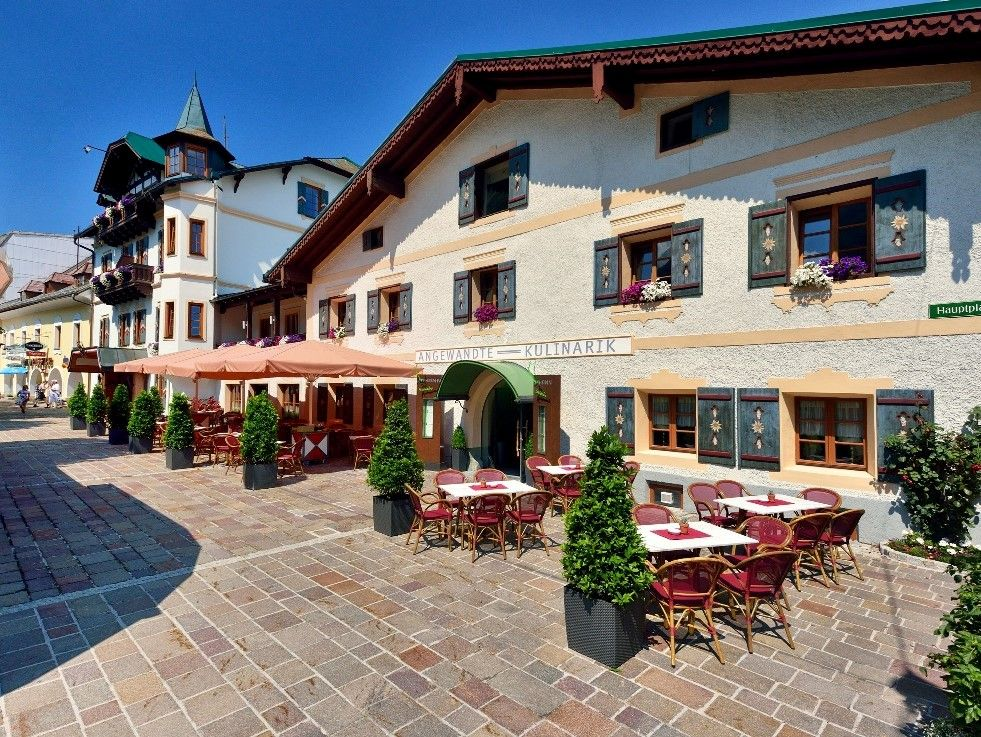 "../../holiday-hotels/?HolidayID=108&HotelID=139&HolidayName=Austria-+Schladming+%2D+Valleys+%26+Mountains+-&HotelName=Posthotel+"">Posthotel"