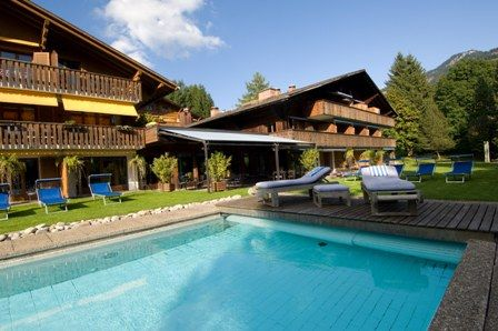 "../../holiday-hotels/?HolidayID=221&HotelID=103&HolidayName=Switzerland-Bernese+West+%2D+Short+Break+Walks-&HotelName=Hotel+Alpine+Lodge+3%2A%2C+Gstaad"">Hotel Alpine Lodge 3*, Gstaad"